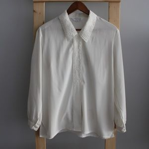 Vintage Cream Embroidered Buttoned Blouse